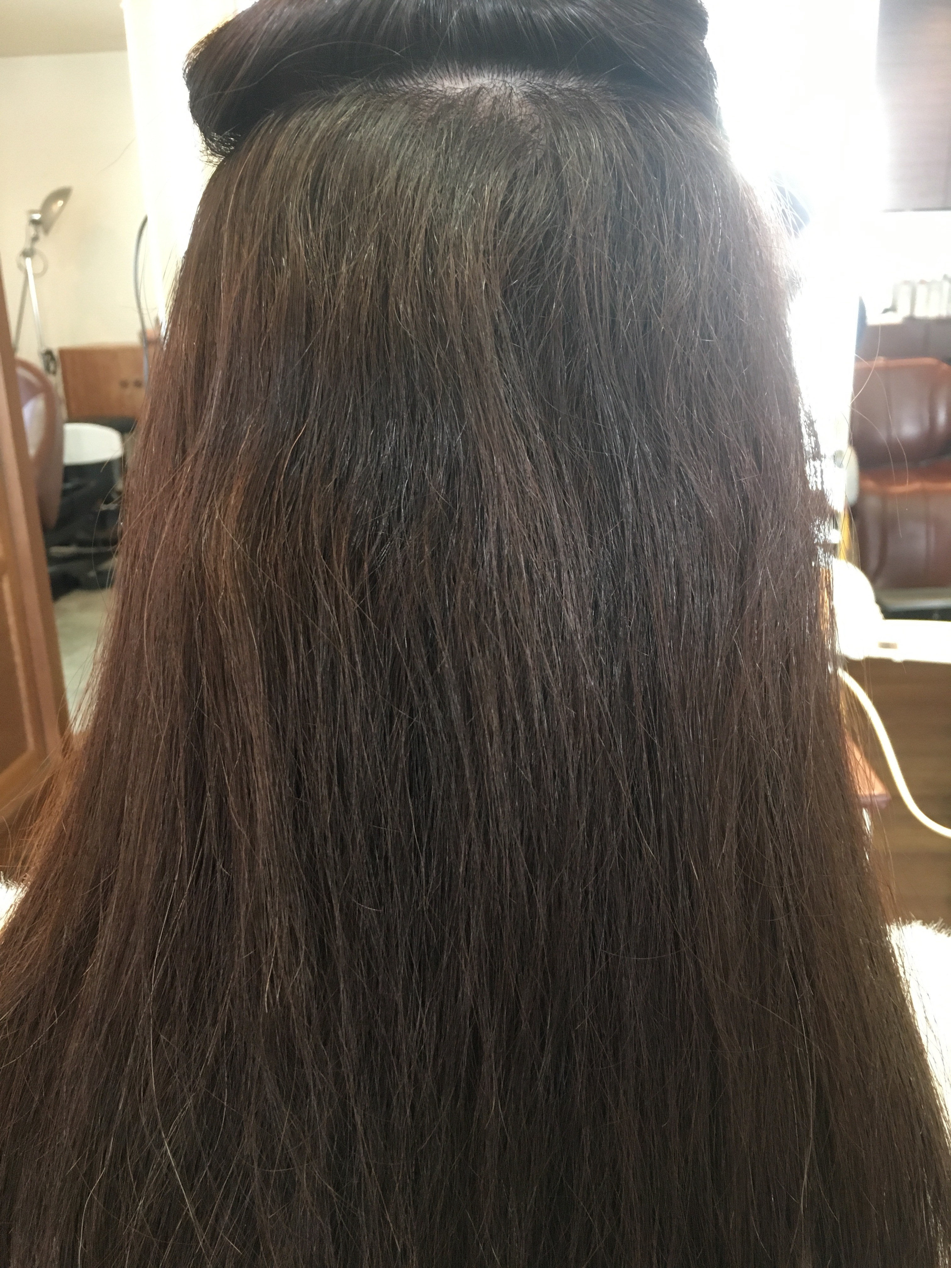 縮毛矯正前のクセ毛の状態
